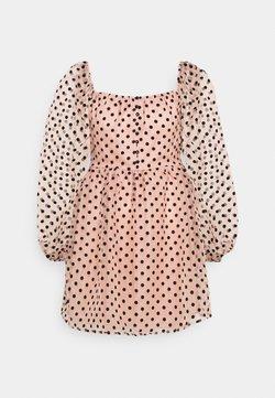 Missguided - SPOT BUTTON PLACKETT DRESS - Freizeitkleid - baby pink