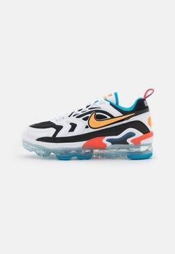Nike Sportswear - AIR MAX VAPORMAX EVO - Sneakers laag - black/bright citrus/white/laser blue/bright crimson