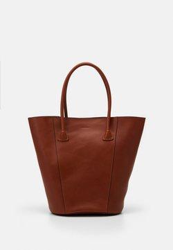 Decadent Copenhagen - GIA BUCKET TOTE - Shopping Bag - cognac