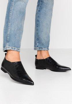 Gardenia - ERIN - Loafers - black