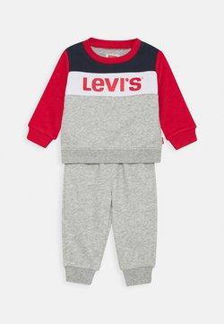 Levi's® - COLORBLOCK CREW JOGGER SET - Survêtement - grey heather