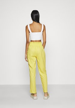 Missguided - SHIRRED WAIST STRAIGHT LEG - Trousers - yellow