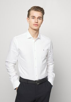 Tommy Hilfiger Tailored - WASHED OXFORD CLASSIC SLIM - Camicia elegante - white