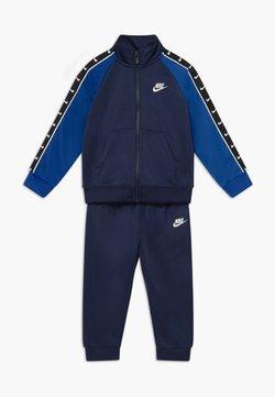 Nike Sportswear - TRICOT TAPING SET - Trainingspak - midnight navy