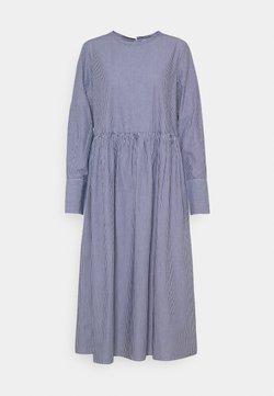 Selected Femme - SLFMIRABELLA STRIPED  DRESS  - Freizeitkleid - bright white