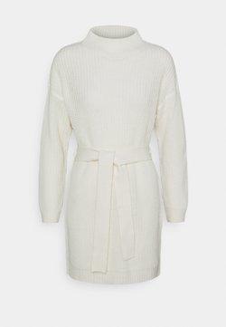 Missguided - HIGH NECK BASIC DRESS WITH BELT - Vestido de punto - offwhite