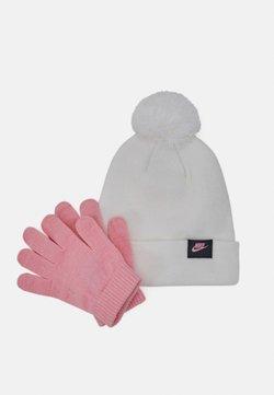 Nike Sportswear - FUTURA BEANIE GLOVE SET - Fingerhandschuh - white