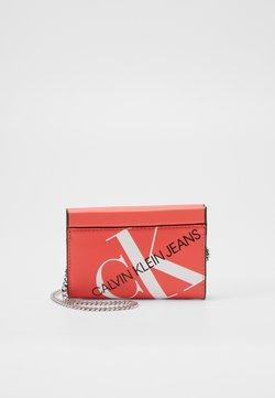 Calvin Klein Jeans - CHAIN CARDCASE - Portefeuille - orange