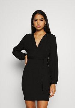 Missguided - SLINKY TIE BELT PLUNGE MINI DRESS - Vestido ligero - black