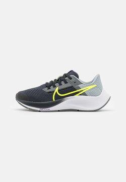 Nike Performance - AIR ZOOM PEGASUS 38 UNISEX - Löparskor för tävling - dark smoke grey/volt/smoke grey/light smoke grey