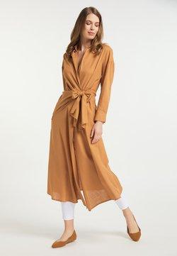 usha - Vestido camisero - hellbraun