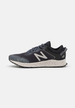 New Balance - ARISHI - Zapatillas de trail running - outer space