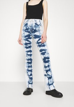 BDG Urban Outfitters - Flared Jeans - bleach