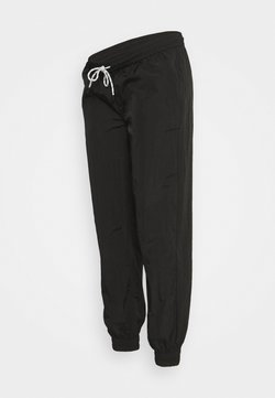 Pieces Maternity - PCMGOIA TRACK PANT - Jogginghose - black