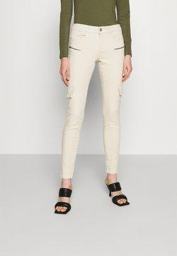 Vero Moda - VMHONNISEVEN SLIM - Slim fit jeans - birch