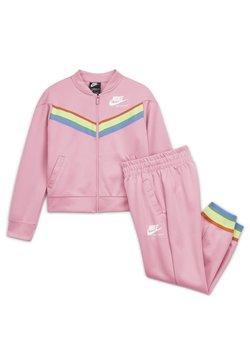 Nike Sportswear - HERITAGE - Survêtement - pink/white