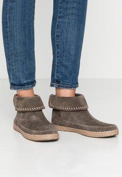 UGG - VARNEY - Ankle Boot - slate