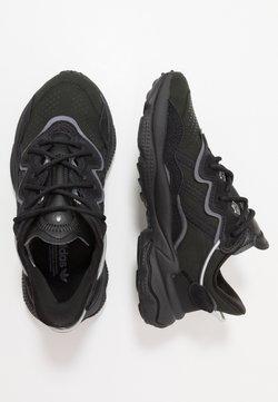 adidas Originals - OZWEEGO  - Sneakers laag - core black/night metallic