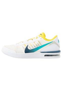 Nike Performance - COURT AIR MAX VAPOR WING - Buty tenisowe uniwersalne - white/valerian blue/oracle aqua