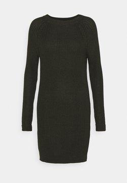 Noisy May Petite - NMSIESTA O NECK DRESS PETITE - Stickad klänning - rosin