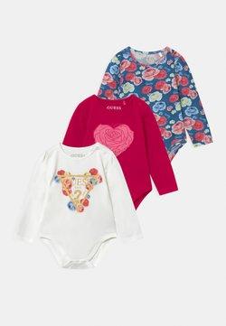 Guess - BABY 3 PACK - Fødselsgave /Dåbsgaver - berry sorbet