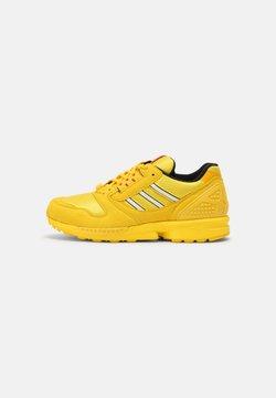 adidas Originals - ZX 8000 LEGO UNISEX - Sneakers basse - yellow/white