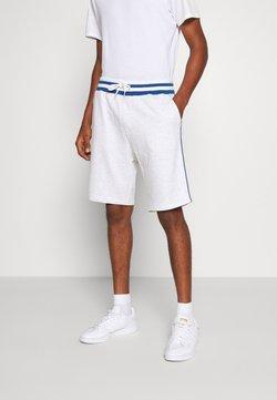 Burton Menswear London - BASKETBALL - Jogginghose - white