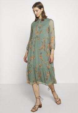Vero Moda - VMWONDA CALF DRESS - Skjortekjole - laurel wreath