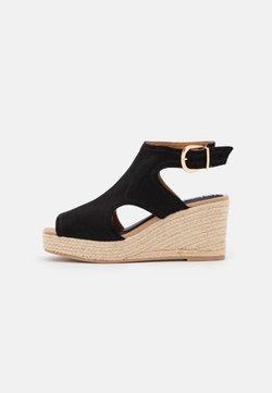 River Island - Korkeakorkoiset sandaalit - black