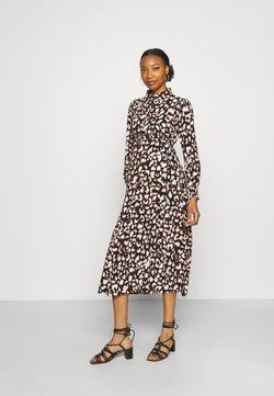 Pieces Maternity - PCMFALISHI SHIRT DRESS - Robe chemise - black