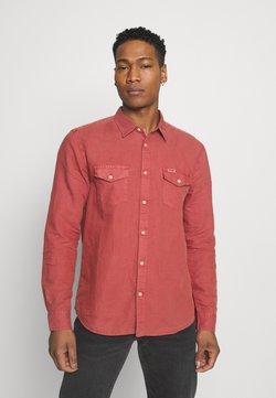 Wrangler - FLAP - Koszula - barn red