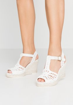 LAB - Korolliset sandaalit - blanco