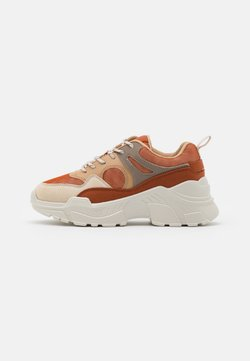 Vero Moda - VMMATHILDE  - Sneakers laag - auburn