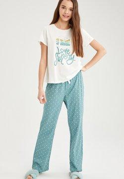 DeFacto - Pyjama - green