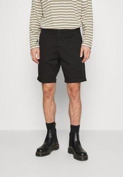 KnowledgeCotton Apparel - CHUCK REGULAR - Shorts - black jet