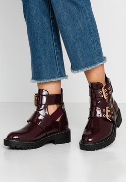 River Island Wide Fit - Cowboy/biker ankle boot - burgandy