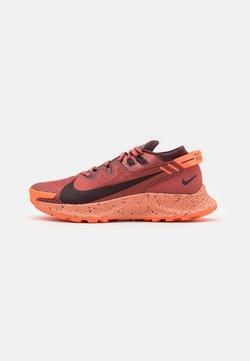 Nike Performance - PEGASUS TRAIL 2 - Löparskor terräng - canyon rust/mahogany/smokey mauve