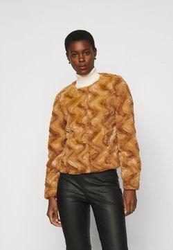 Vero Moda Tall - VMCURL SHORT JACKET - Winterjacke - buckthorn brown