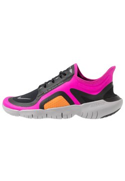 Nike Performance - FREE RN SHIELD - Løbesko - fire pink/metallic silver/black