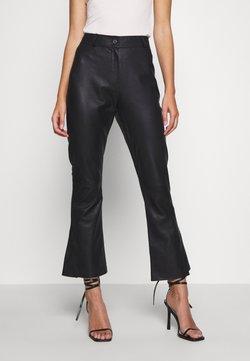 DEPECHE - FLARE PANT - Pantalon en cuir - black