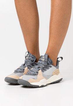 Jordan - DELTA - Sneakers laag - grey fog/iron grey/smoke grey/white onyx/sail