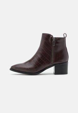 Vero Moda - VMNICIE BOOT - Støvletter - chocolate plum