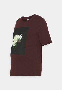 Pieces Maternity - PCMRUME TEE - Camiseta estampada - decadent chocolate/big rose