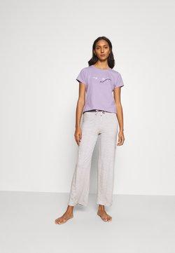 Boux Avenue - DAISY TEE & PANT  - Pyjama - lilac/grey