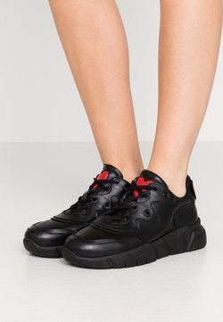 Love Moschino - NEW LOVE RUNNING - Sneakers laag - black