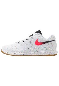 Nike Performance - AIR ZOOM VAPOR - Buty tenisowe na nawierzchnię ziemną - white/laser crimson/oracle aqua/off noir