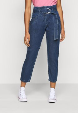 Vero Moda Petite - VMBAILEY PAPERBAG BELT - Jeans Relaxed Fit - medium blue denim