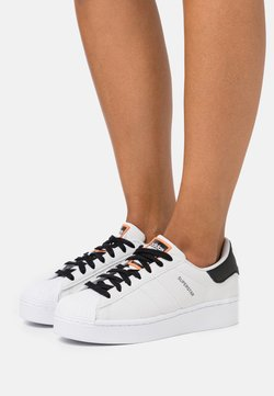 adidas Originals - SUPERSTAR SPORTS INSPIRED SHOES - Baskets basses - grey one footwear white core black