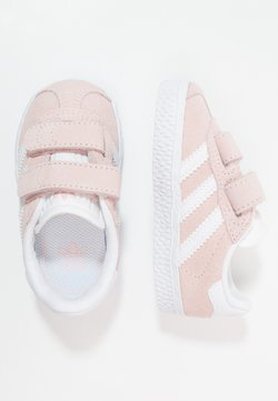 adidas Originals - GAZELLE - Matalavartiset tennarit - iced pink/footwear white