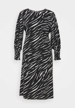 New Look Curves - SHIRRED DETAIL MIDI DRESS - Vestito lungo - black pattern